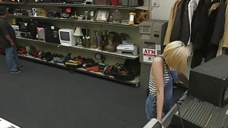 Blondie sells her BFs subwoofer speaker and gets fucked