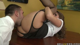 Spoiled secretary Madelyn Marie is the best girlie for pleasing a boss